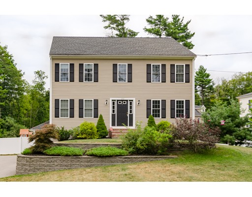 واحد منزل الأسرة للـ Sale في 250 Water Street Bridgewater, Massachusetts 02324 United States