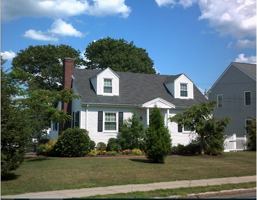 1068 Rockdale Ave, New Bedford, MA 02740