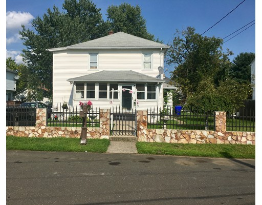 137 Cobb St, Springfield, MA 01119