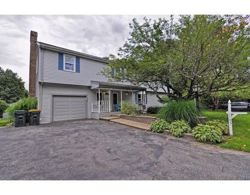 Maison unifamiliale pour l Vente à 185 Plain Street Franklin, Massachusetts 02038 États-Unis