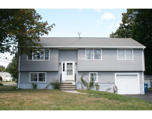 واحد منزل الأسرة للـ Sale في 4 Hampden Avenue Burlington, Massachusetts 01803 United States