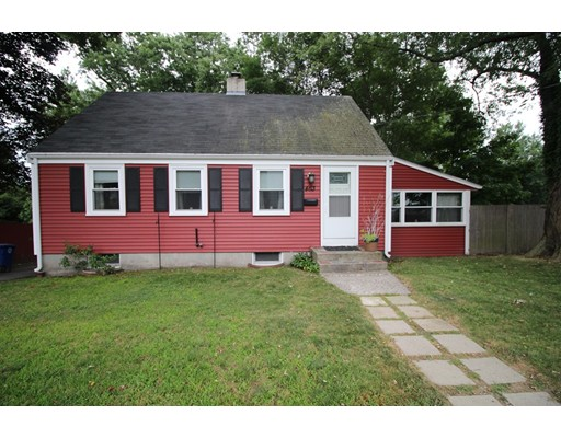 独户住宅 为 出租 在 463 Union Street Braintree, 马萨诸塞州 02184 美国