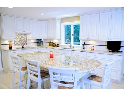 独户住宅 为 销售 在 22 Aspen Road 22 Aspen Road 莎伦, 马萨诸塞州 02067 美国