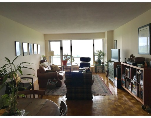 Casa Unifamiliar por un Alquiler en 111 Perkins Boston, Massachusetts 02130 Estados Unidos