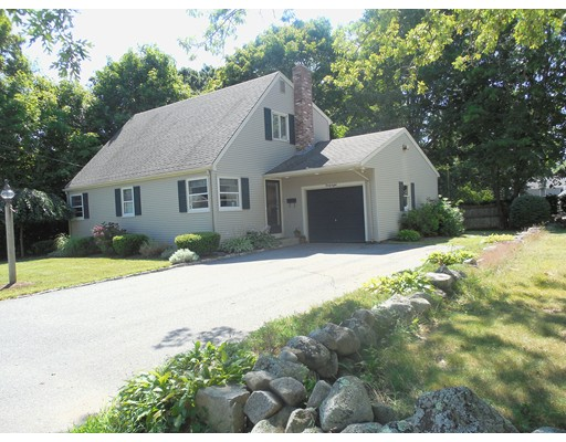 واحد منزل الأسرة للـ Sale في 38 Wilbur Street Easton, Massachusetts 02356 United States