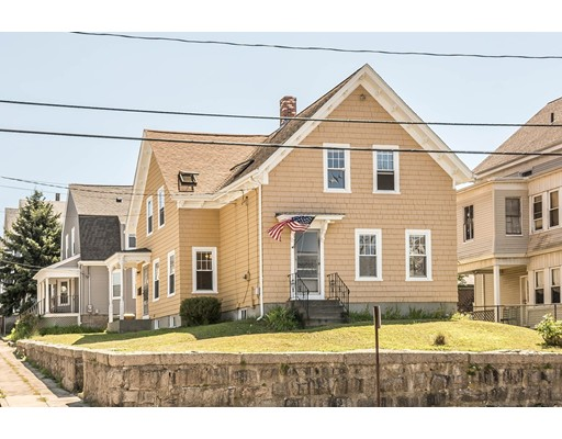 Casa Unifamiliar por un Venta en 826 Broadway Fall River, Massachusetts 02724 Estados Unidos