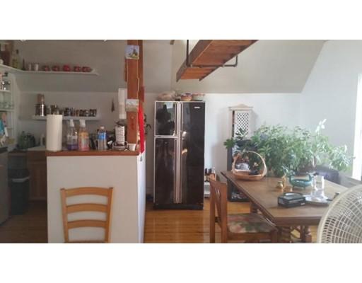 独户住宅 为 出租 在 53 Chester Street Somerville, 02144 美国