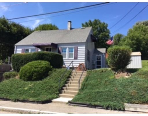 Maison unifamiliale pour l Vente à 22 Harwich Street 22 Harwich Street Worcester, Massachusetts 01607 États-Unis