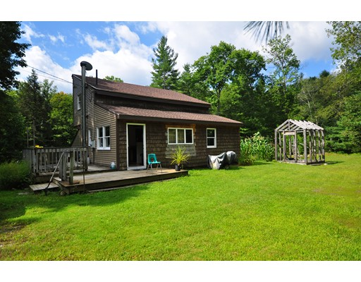 独户住宅 为 销售 在 85 Carter Road 贝克特, 马萨诸塞州 01223 美国