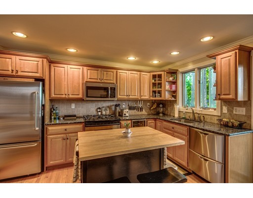 4 N Mead Street Ct, Boston, MA 02129