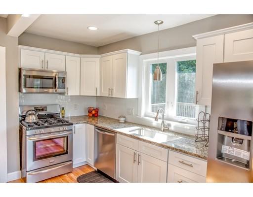 Maison unifamiliale pour l Vente à 54 Gerrard Avenue East Longmeadow, Massachusetts 01028 États-Unis