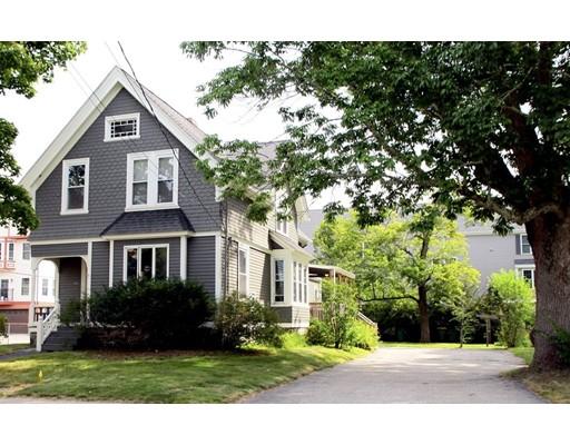 独户住宅 为 销售 在 141 Rumford Avenue 141 Rumford Avenue Mansfield, 马萨诸塞州 02048 美国
