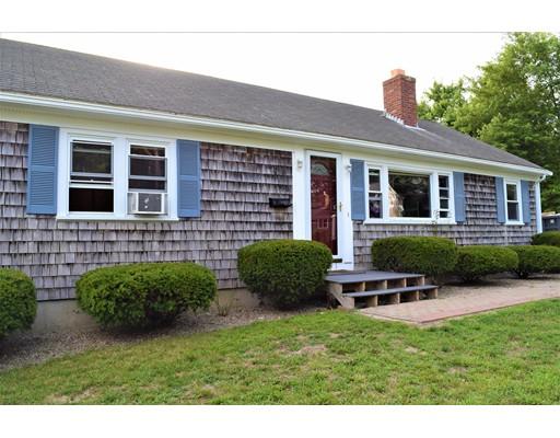 Casa Unifamiliar por un Venta en 93 Crooked Pond Road Barnstable, Massachusetts 02601 Estados Unidos