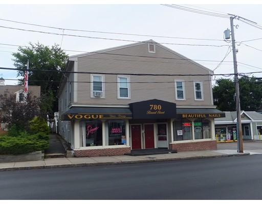 Maison avec plusieurs logements pour l Vente à 776 Broad Street Weymouth, Massachusetts 02189 États-Unis