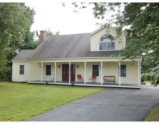27 3rd St, Ayer, MA 01432