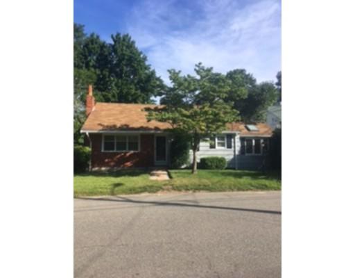 Частный односемейный дом для того Продажа на 15 Dewey Avenue Brockton, Массачусетс 02301 Соединенные Штаты