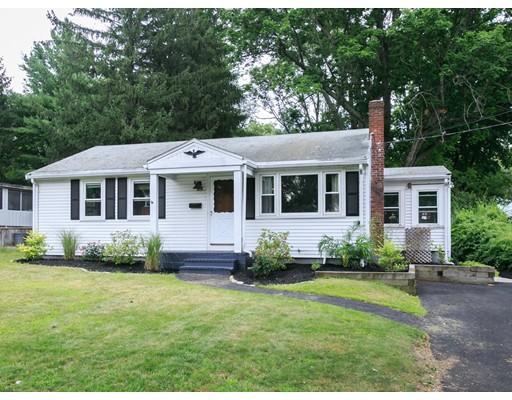Частный односемейный дом для того Продажа на 604 Pearl Street Brockton, Массачусетс 02301 Соединенные Штаты
