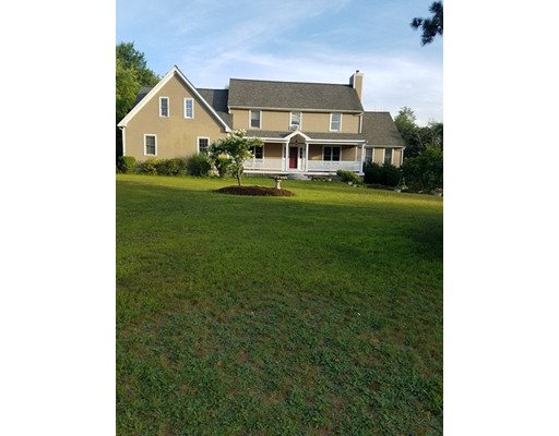 Single Family Home for Sale at 17 Colonial Drive Mendon, Massachusetts 01756 United States