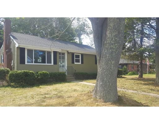 Частный односемейный дом для того Продажа на 107 Hovendon Avenue Brockton, Массачусетс 02302 Соединенные Штаты