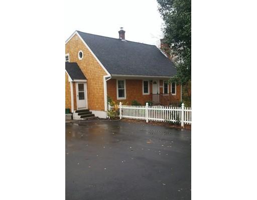 واحد منزل الأسرة للـ Sale في 151 Wrentham Road Bellingham, Massachusetts 02019 United States