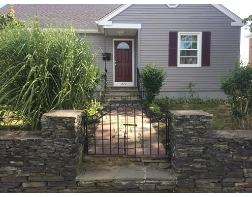 Частный односемейный дом для того Продажа на 277 Evergreen Street Pawtucket, Род-Айленд 02861 Соединенные Штаты