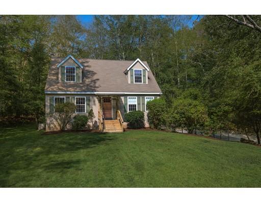 Maison unifamiliale pour l Vente à 59 Hemlock Street Douglas, Massachusetts 01516 États-Unis