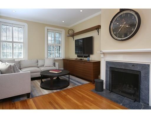شقة بعمارة للـ Sale في 77 Revere Street Boston, Massachusetts 02114 United States