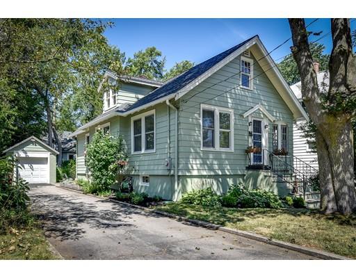 Maison unifamiliale pour l Vente à 340 Bishop Street Framingham, Massachusetts 01702 États-Unis