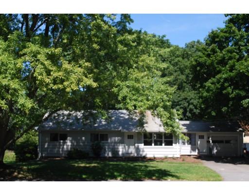 Maison unifamiliale pour l Vente à 655 Water Street Framingham, Massachusetts 01701 États-Unis