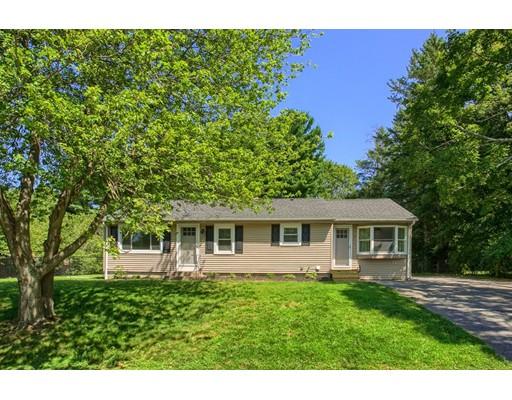 Maison unifamiliale pour l Vente à 7 Falmouth Drive Grafton, Massachusetts 01536 États-Unis