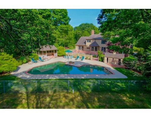 واحد منزل الأسرة للـ Sale في 60 Smoke Valley Road Barnstable, Massachusetts 02655 United States