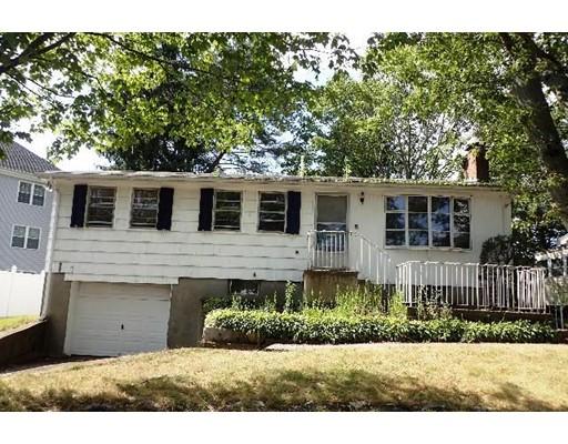 Частный односемейный дом для того Продажа на 6 Reservoir Street Brockton, Массачусетс 02301 Соединенные Штаты