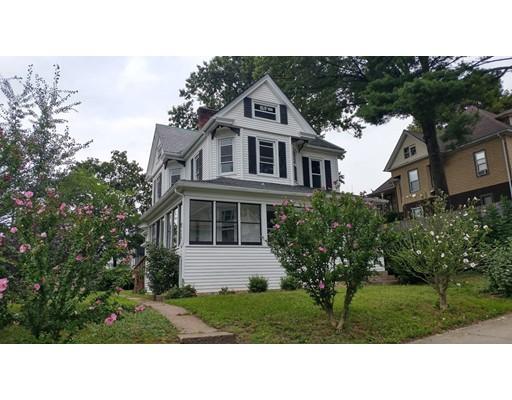 独户住宅 为 销售 在 275 Linden Street Holyoke, 马萨诸塞州 01040 美国