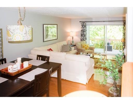 شقة بعمارة للـ Sale في 21 Steeplechase Court Haverhill, Massachusetts 01832 United States