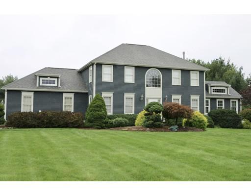 واحد منزل الأسرة للـ Sale في 24 Sandstone Drive Easton, Massachusetts 02375 United States