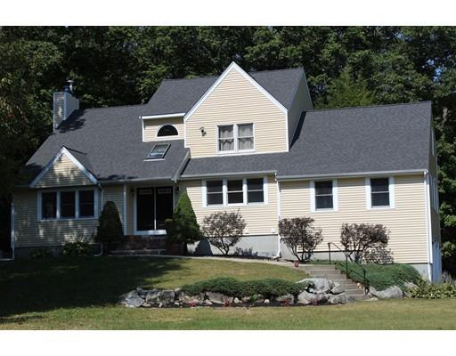 واحد منزل الأسرة للـ Sale في 140 Palisades Circle Stoughton, Massachusetts 02072 United States