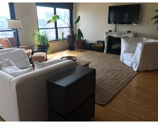 共管式独立产权公寓 为 出租 在 210 Lincoln Street #802 210 Lincoln Street #802 波士顿, 马萨诸塞州 02111 美国