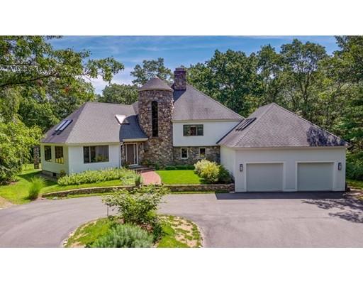 Maison unifamiliale pour l Vente à 38 Grand Hill Drive Dover, Massachusetts 02030 États-Unis