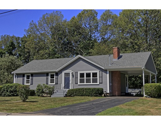 Maison unifamiliale pour l Vente à 17 Hollywood Drive Grafton, Massachusetts 01536 États-Unis