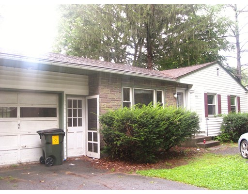 Casa Unifamiliar por un Venta en 559 West Street Amherst, Massachusetts 01002 Estados Unidos