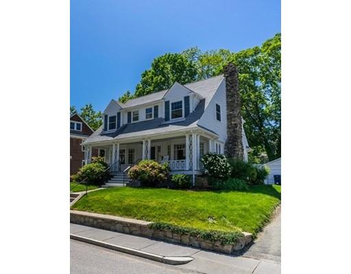 Maison unifamiliale pour l Vente à 66 College Road 66 College Road Newton, Massachusetts 02467 États-Unis