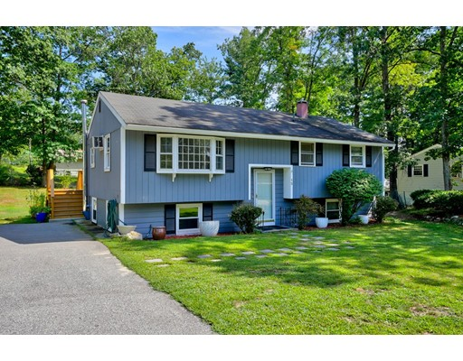 Single Family Home for Sale at 15 Bradford Drive Merrimack, New Hampshire 03054 United States