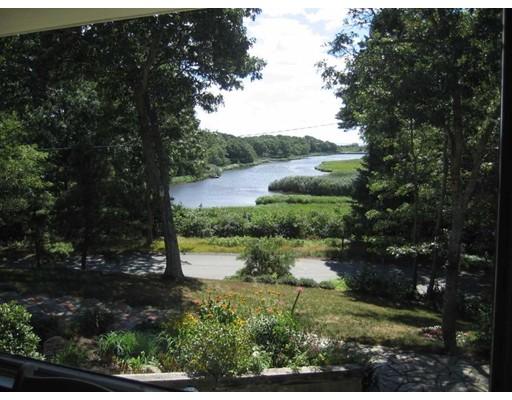 واحد منزل الأسرة للـ Sale في 180 River View Lane Barnstable, Massachusetts 02632 United States