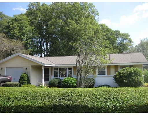 Частный односемейный дом для того Продажа на 213 Elsie Road Brockton, Массачусетс 02302 Соединенные Штаты