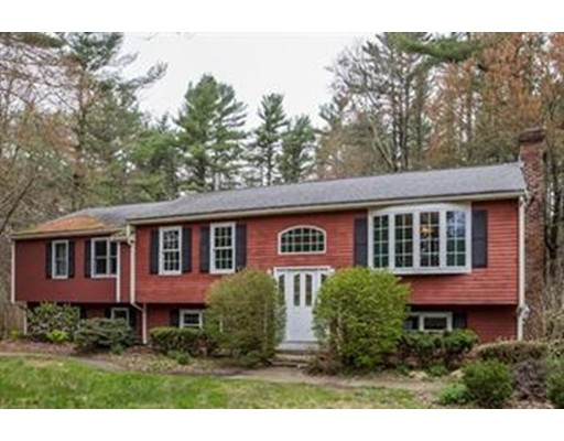 38 Pickens St, Lakeville, MA 02347