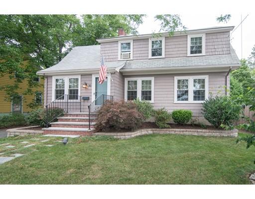 واحد منزل الأسرة للـ Sale في 30 Dunbar Avenue East Providence, Rhode Island 02916 United States