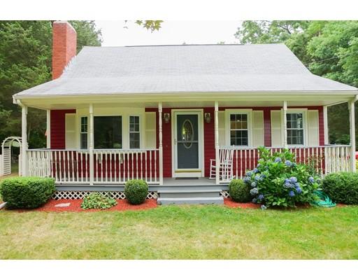 واحد منزل الأسرة للـ Sale في 185 Hathaway Road Acushnet, Massachusetts 02743 United States