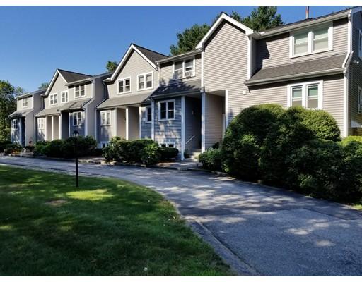 Condominio por un Venta en 22 Summerville Road Foxboro, Massachusetts 02035 Estados Unidos