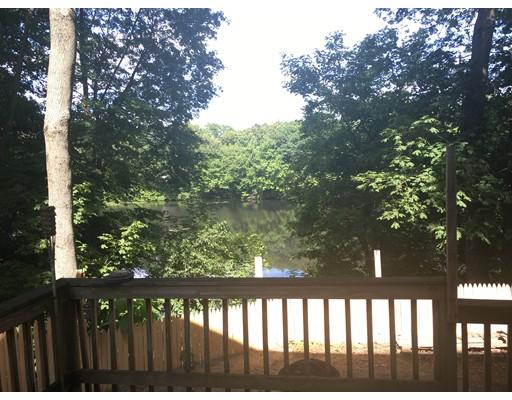 Частный односемейный дом для того Аренда на 67 Pond Attleboro, Массачусетс 02703 Соединенные Штаты