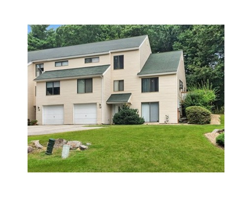 شقة بعمارة للـ Sale في 10 Ashwood Court 10 Ashwood Court Atkinson, New Hampshire 03811 United States